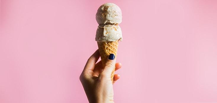 disfruta de un helado